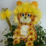 Лев из цветов