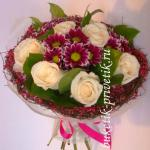 Букет белые розы и хризантемы