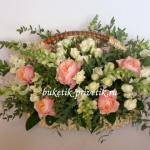 Корзина с пионовидной розой