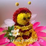 Пчелка из цветов